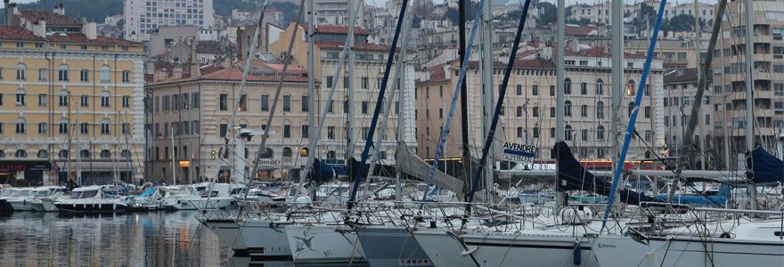 Vue port et citadelle de Porto Vecchio